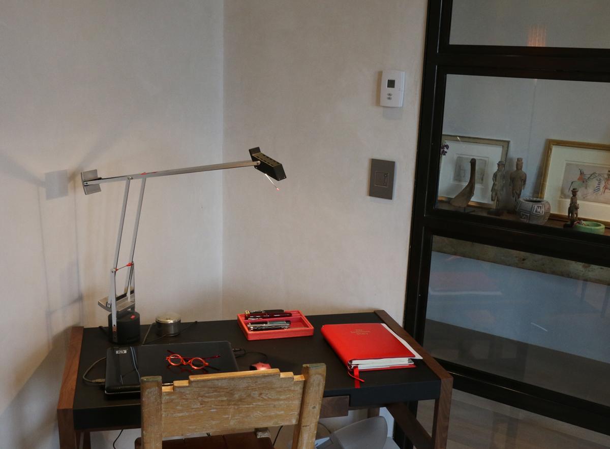 Artemid Tizio desk lamp