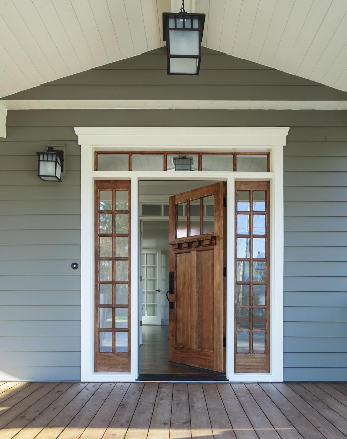asymmetrical-front-door-lighting
