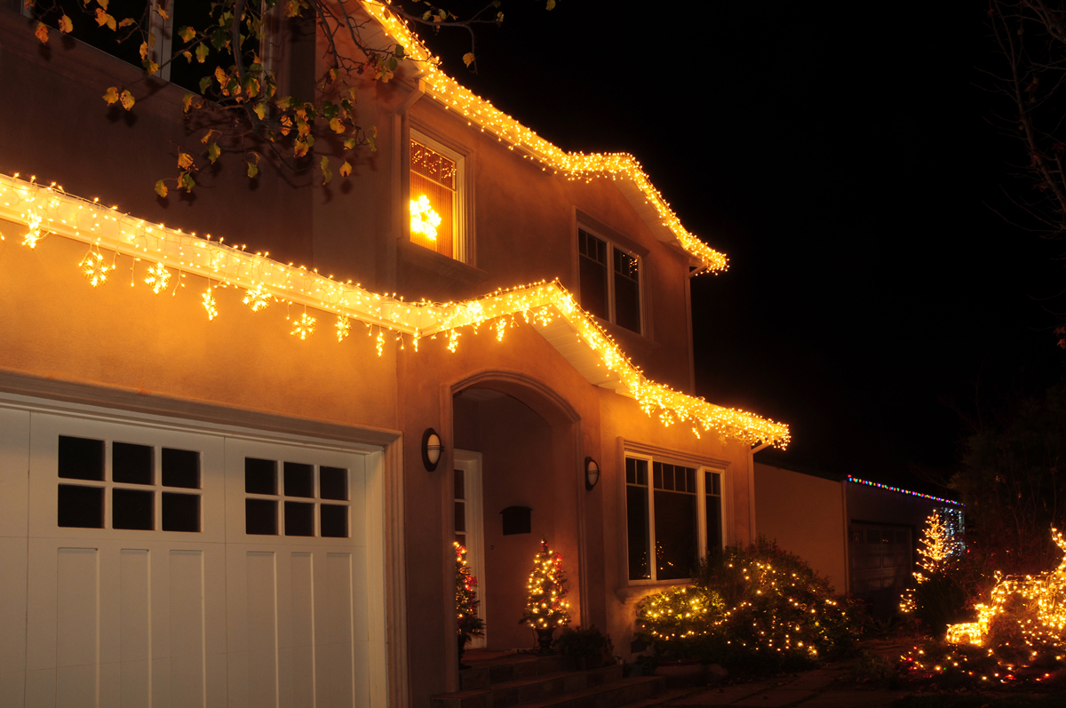 Outdoor-Holiday-Lights