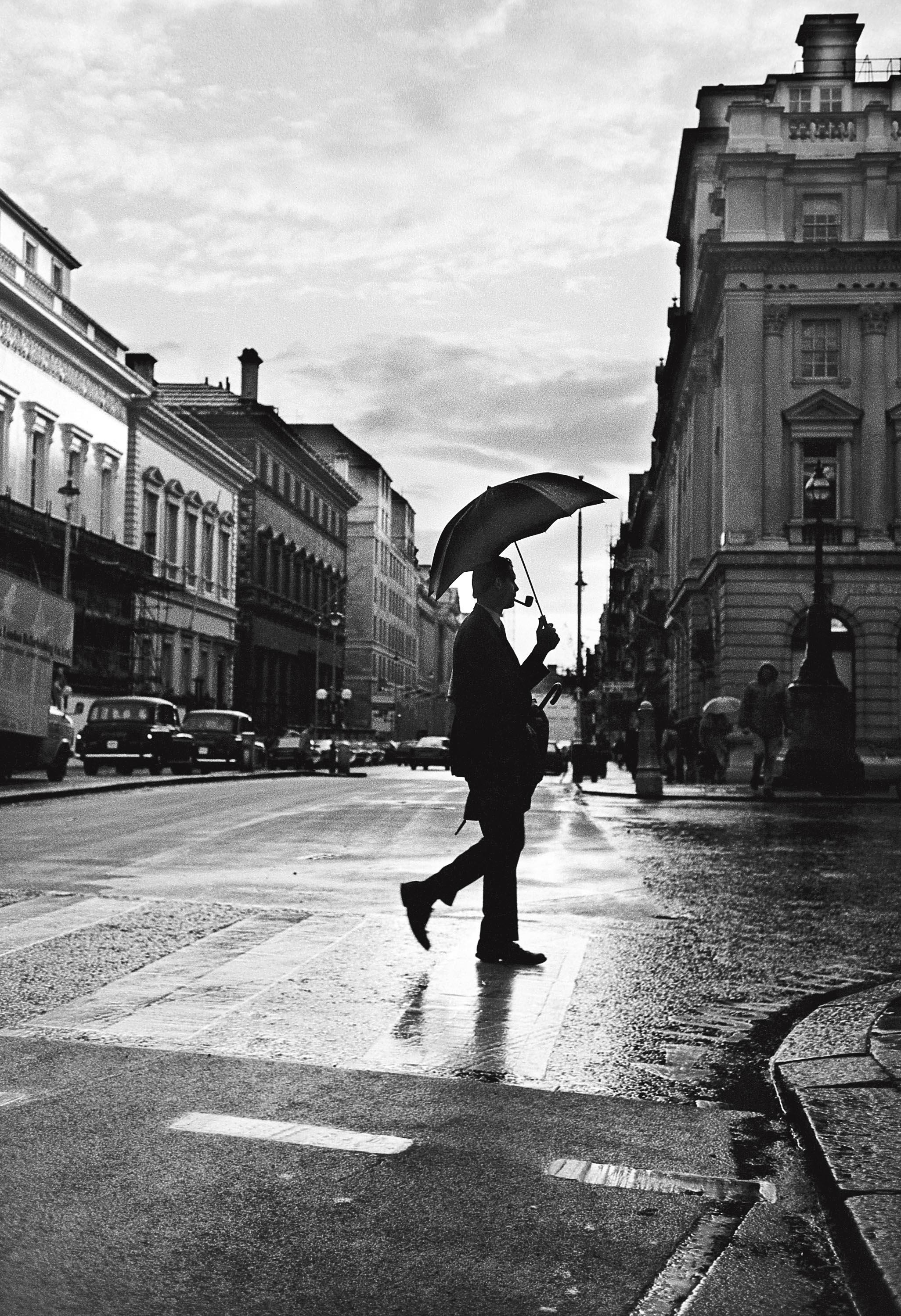 L'homme aux deux parapluies, Londres 1987