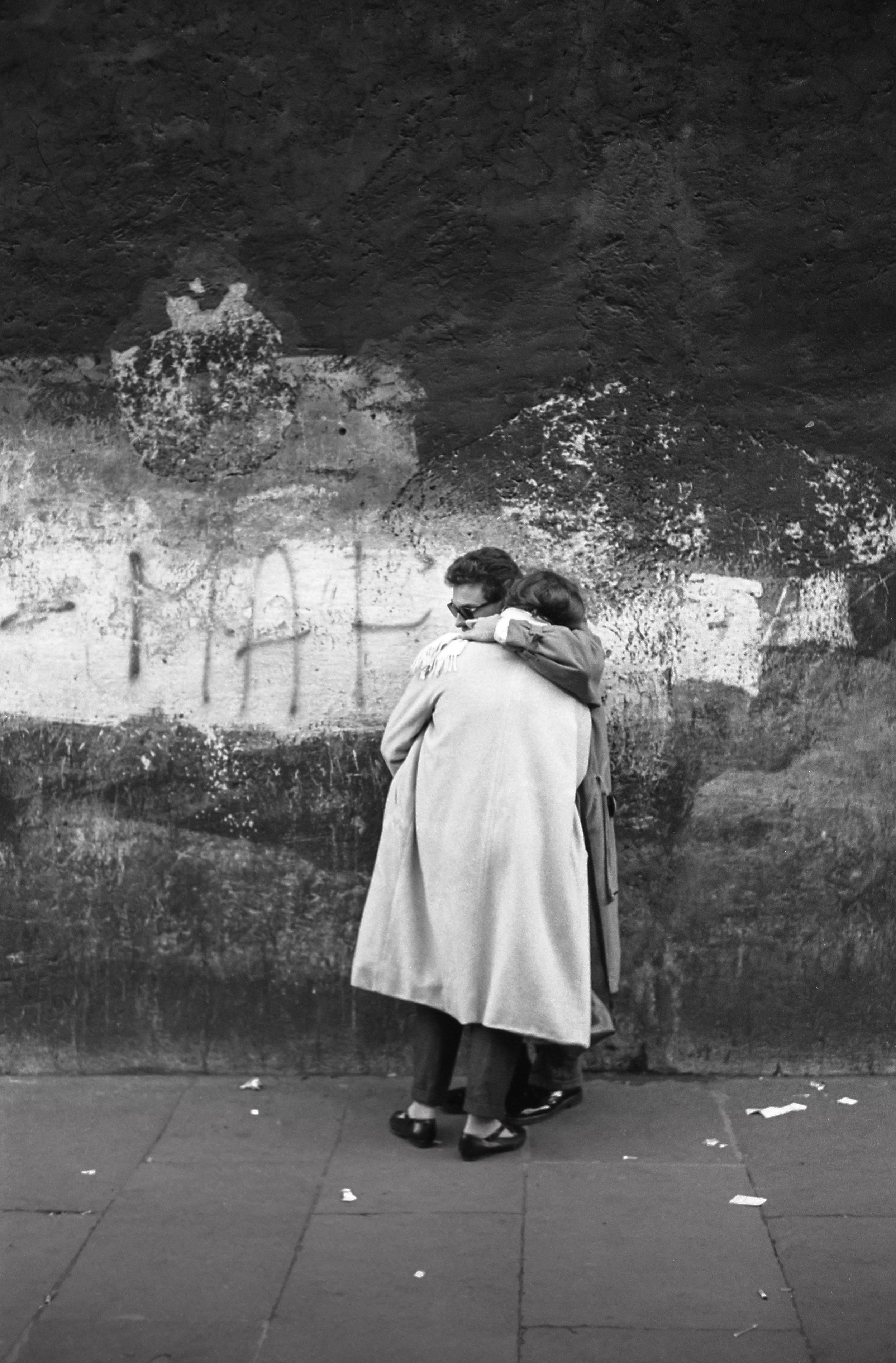 L'étreinte, Rome 1984