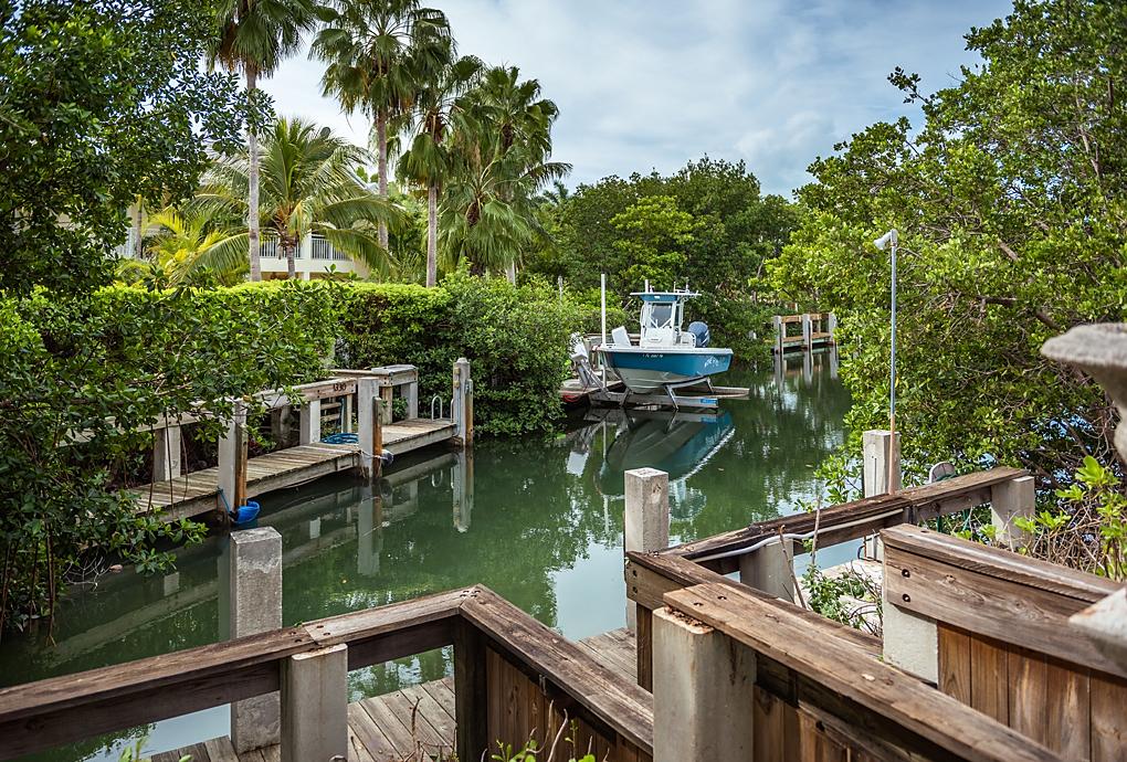 equity-residences-marathon-key-boat-dock-wood.jpg