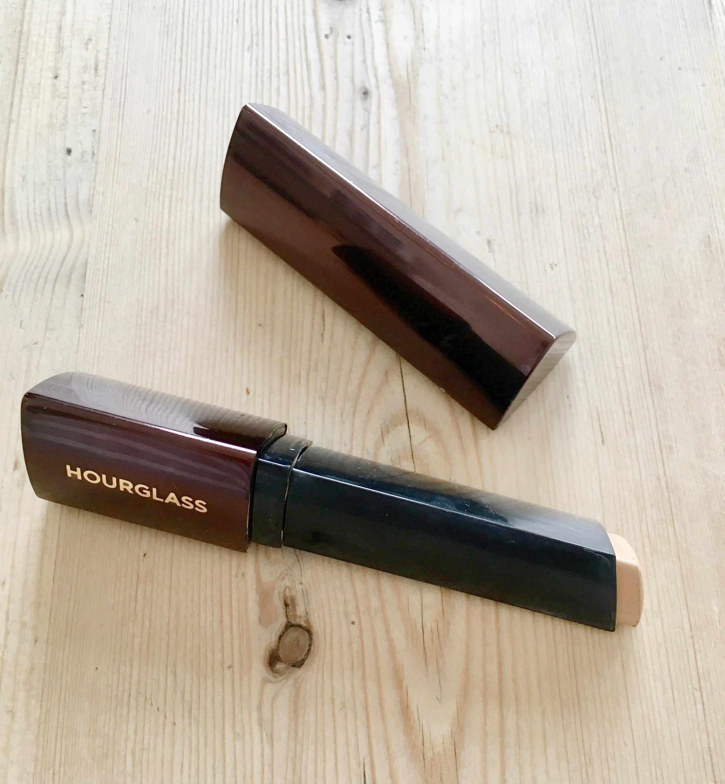 Hourglass Vanish Stick