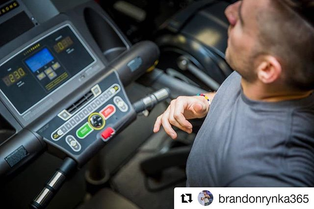 "Be confident and strong in being you everyday 💯 @brandonrynka365 podcast fam and speaker at our upcoming Mindshare - Presence. 👀 link in bio👆 .  #repost ・・・ It's that time of year again. Miles upon miles. The toughest challenge is to take the step you don't want to take, but know it's doing you a world of good. Then it's committing to putting one foot in front of the other day after day until your vision is molded into reality. ""The man who neglects to seize opportunity is a man who has been internally defeated. "" - Brandon Rynka . . Nothing I say or write about it easily executed. It takes a strong willed human. And even the strongest break down. The difference between the strong and the weak is the strong associate too much pain to complacency and the weak associate too much pain to discomfort. . . ——————————————— #motivation #successmindset #inspiration #leaders #wellness #fit #success #instafit #love #goals #fitness #entrepreneur #mentality  #entrepreneurial #business #growthmindset  #health #fulfillment #blog #writer #blogger #healthyliving #healthtip #environment #nature #earth #podcasts #triathlon #endurancesport"