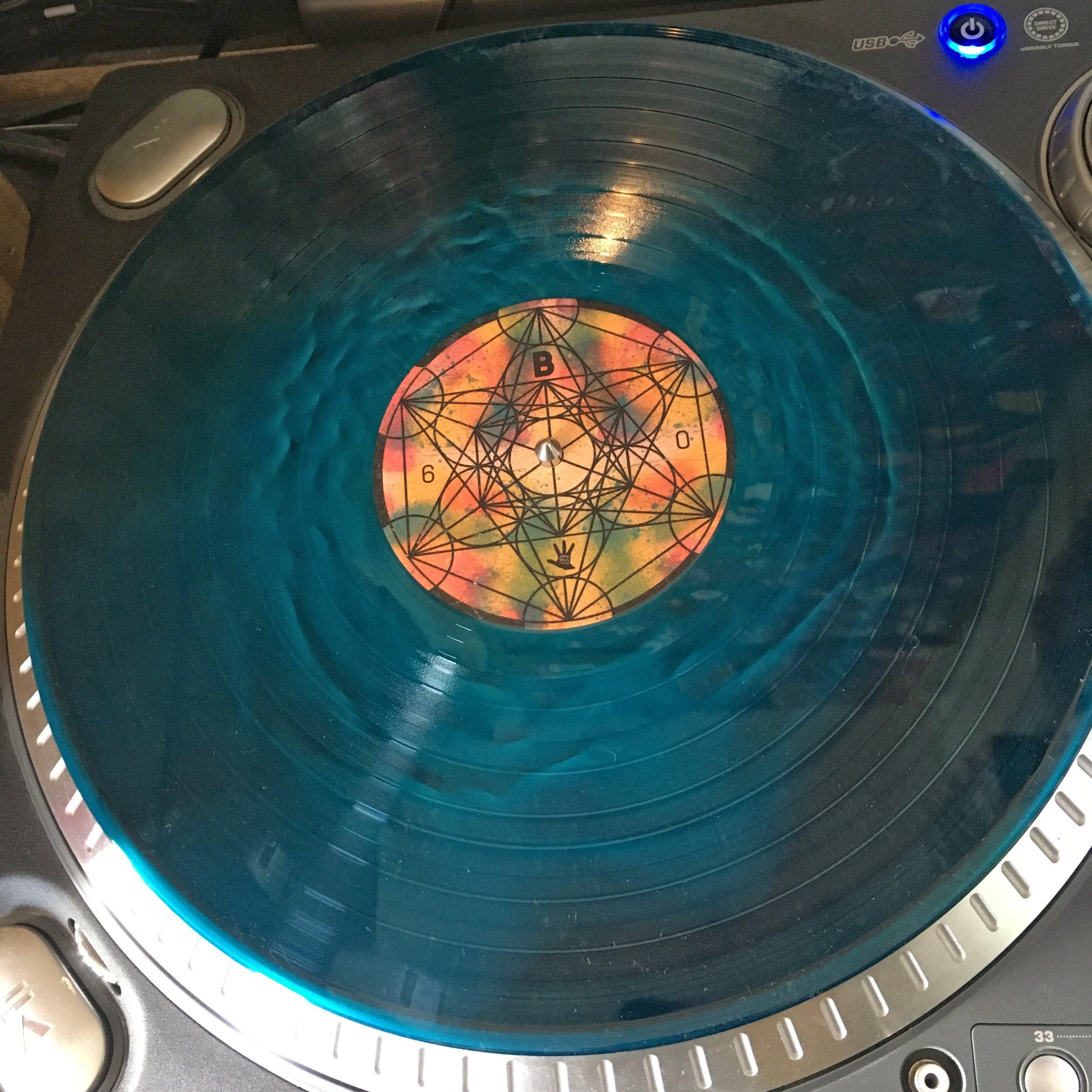 tOoFW_vinyl2.jpg