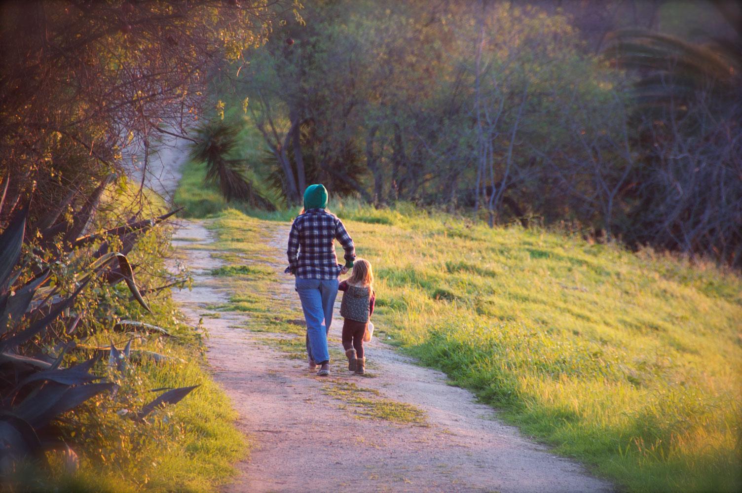Vomvovisionz_sunset_stroll.jpg