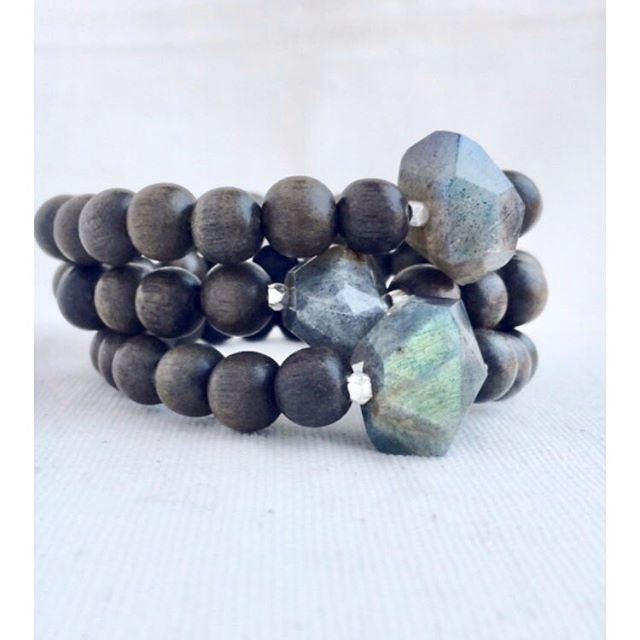 For the love of Labradorite, because the more Labradorite the better 🦋 • Labradorite Single Stone bracelets are perfect for layering with other styles and diffusing all the oily goodness 🖤