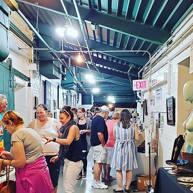 Well, it is actually summer now! 🤗 I've been quiet here but I've been busy on the road, meeting amazing people and working amazing markets, such as my hometown @market.415 • I'm so grateful for all my friends and their support, thank you! 😘