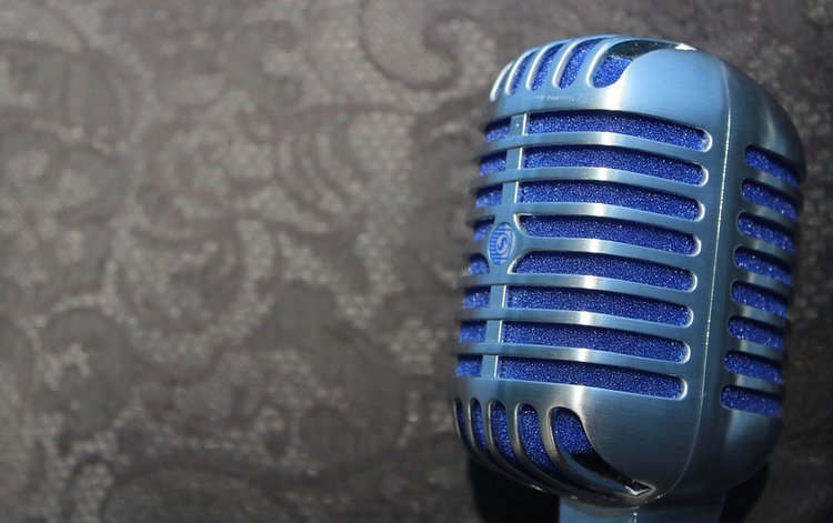 5 secrets to a successful podcast by Doug Sandler