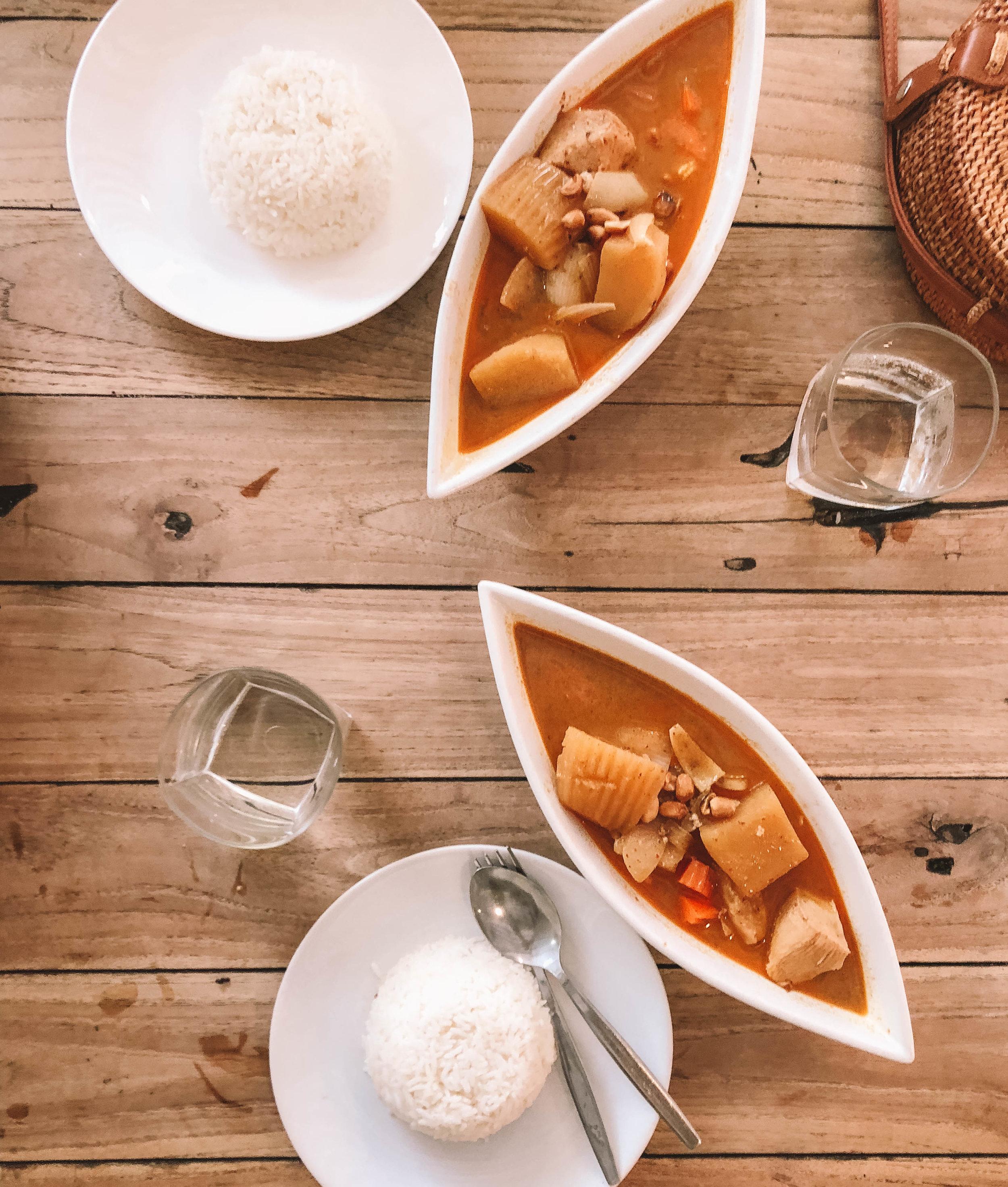 Koh_tao_food.jpg