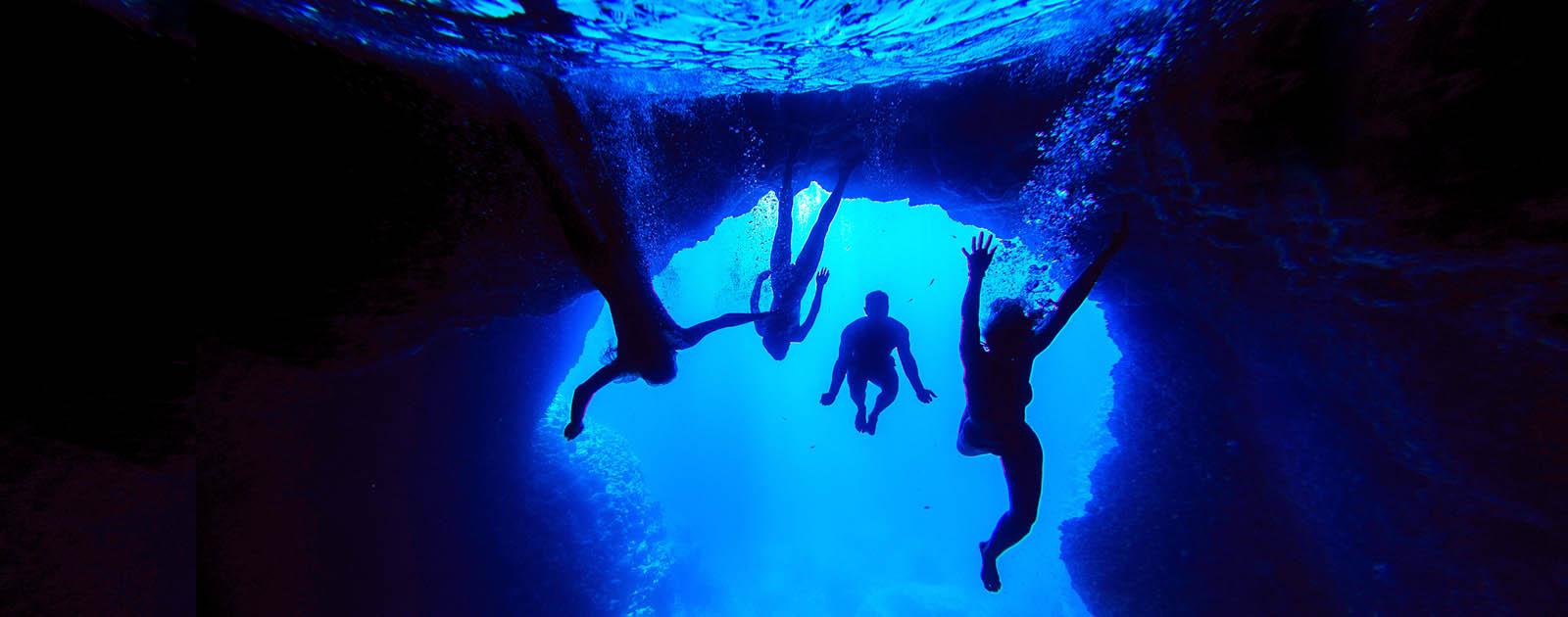Vis Caves