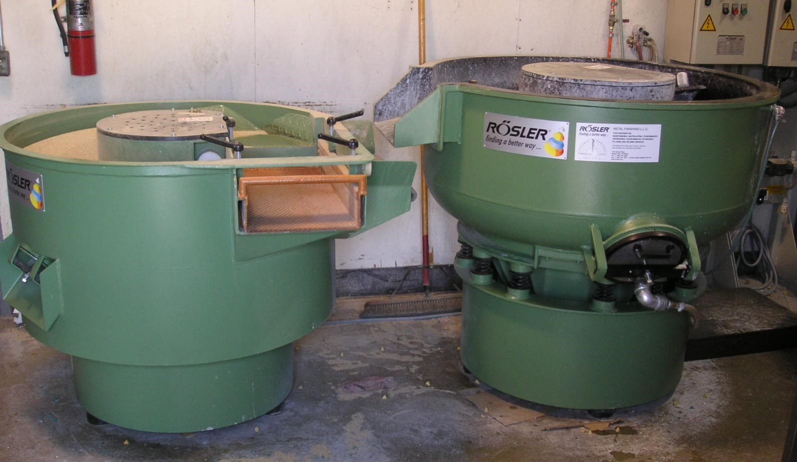 2005 Rosler R220 EC Rotary Vibrator with RT150 Dryer
