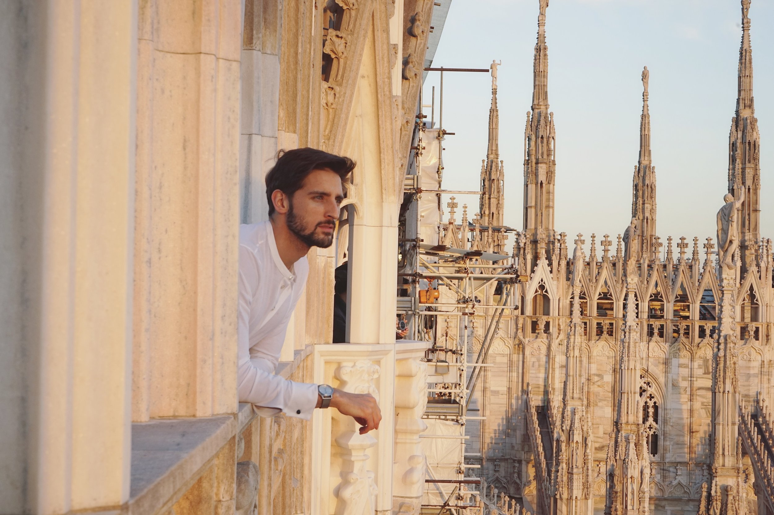 On Top Of Duomo next to the Clouds Model David topmodel lundin-09.jpg