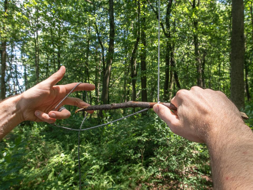 clove hitch knot step 2