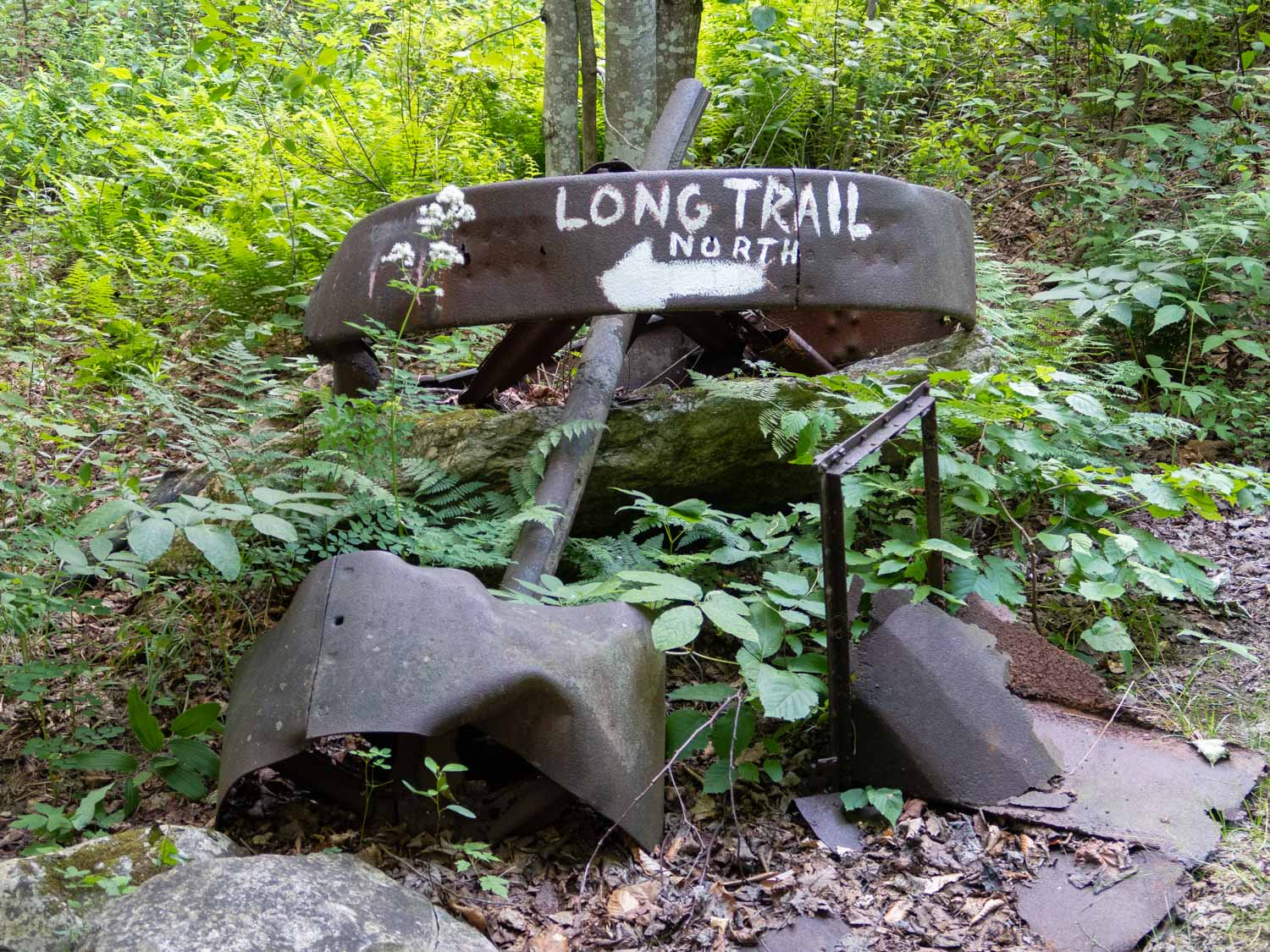 Long trail sign (1 of 1).jpg