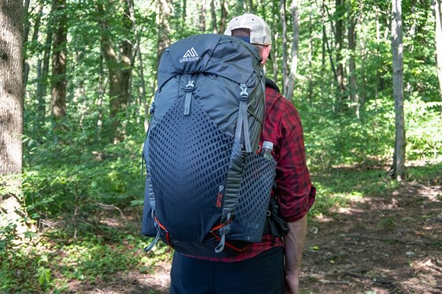 One of my favorite new pieces of gear is definitely the Gregory Optic backpack. It's perfect for someone who wants to go ultralight, but doesn't want to make a lot of sacrifices to do so. Check out my latest blog where I review this pack. Link is in my profile⬆️
