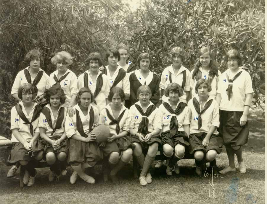Class picture from the Hollywood School for Girls where Head taught French and Art.
