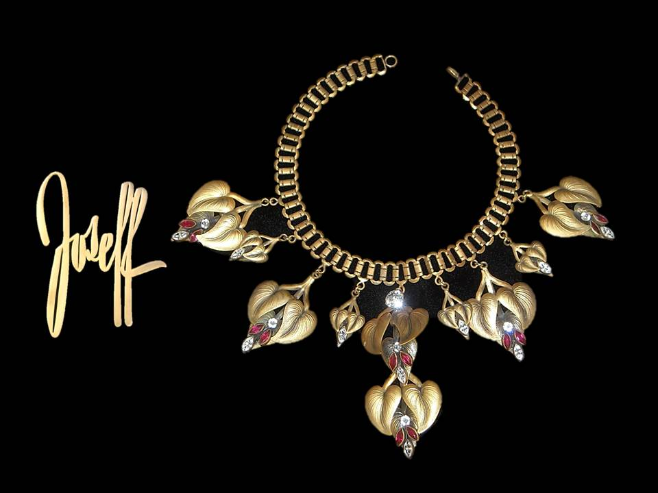 Necklace 2992.jpg