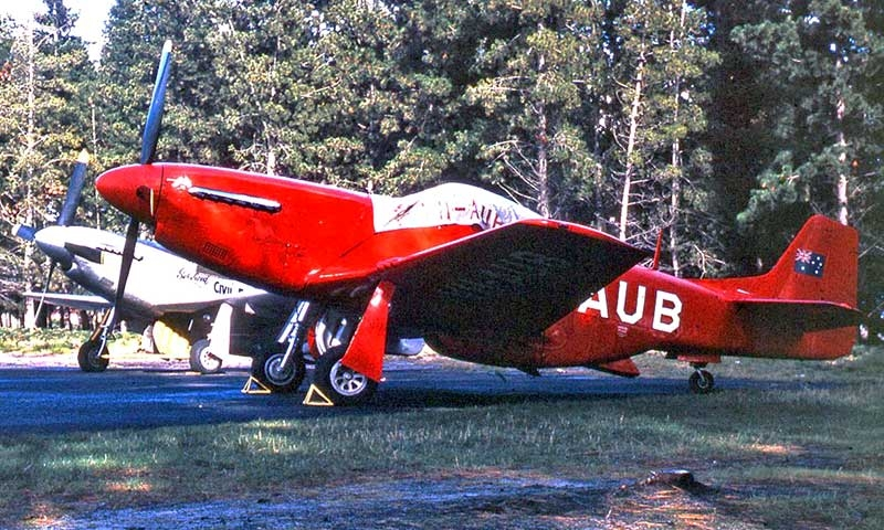 Mustang VH-AUB in its 1958 colour scheme.