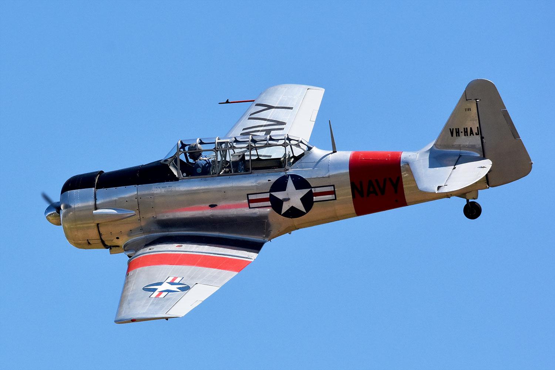 Harvard VH-HAJ gives an impressive air display