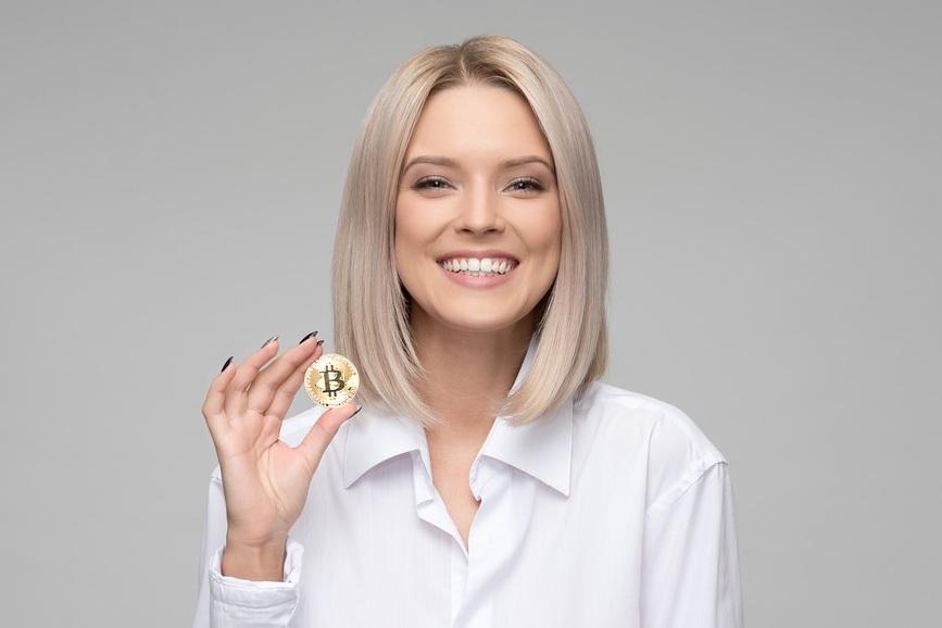 woman-bitcoin.jpg