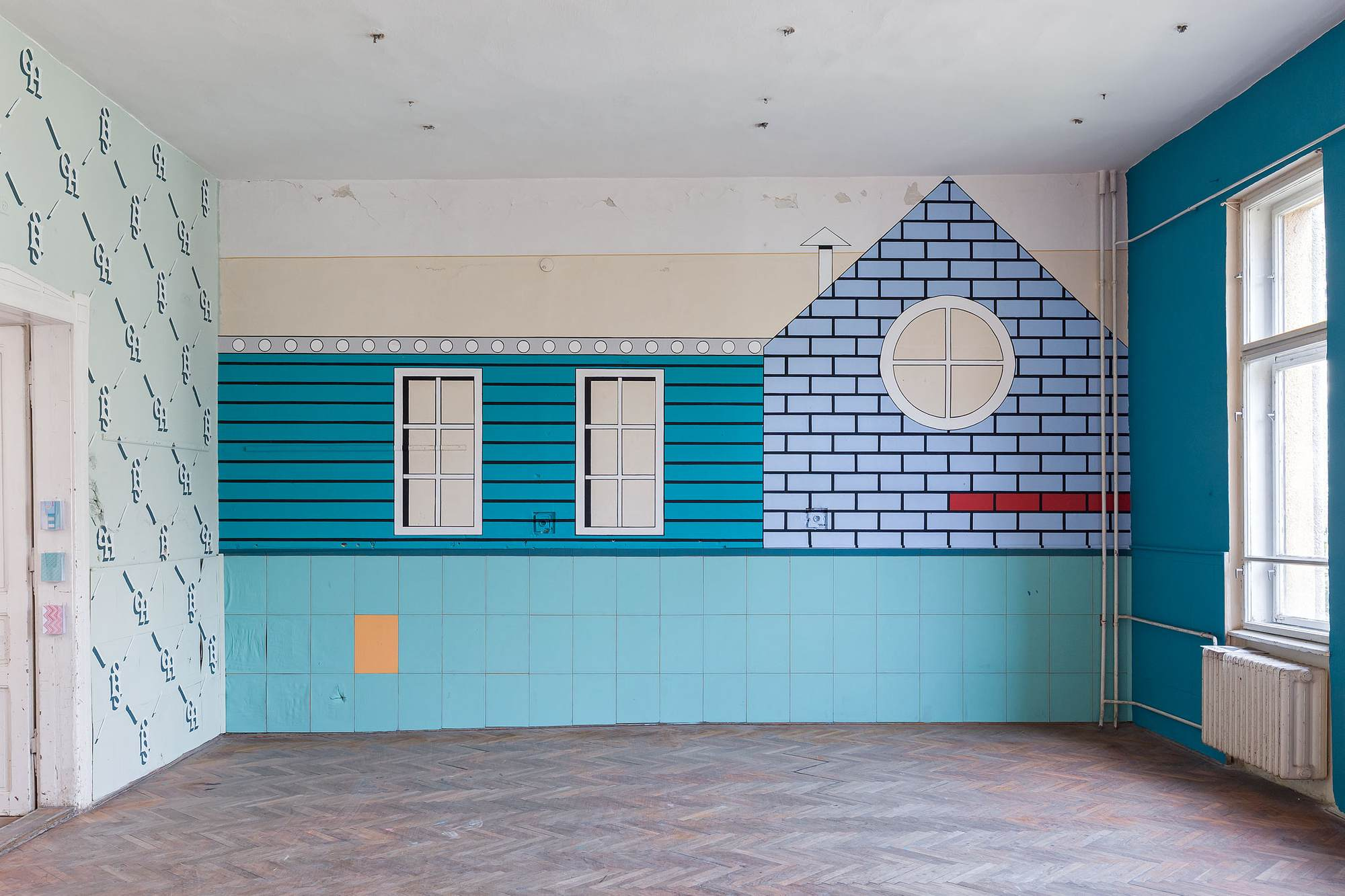 Office Kovacs, Instant Elevation, 12 Walls Exhibition, Veszprém, Hungary, 2018.jpg