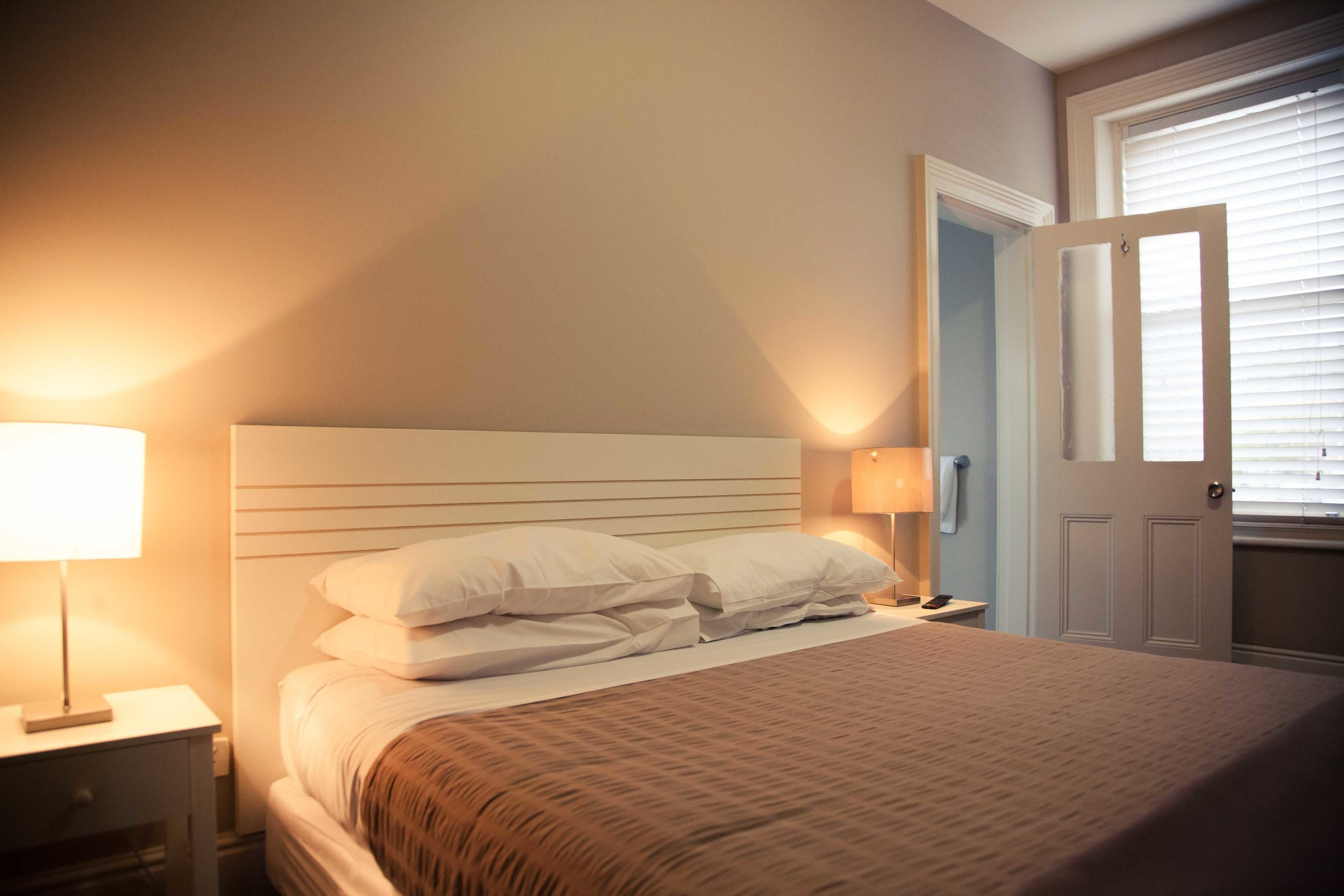 AVAILABLE ROOM TYPES - Queen room with ensuiteQueen room with private bathroomSingle room with separate private bathroom