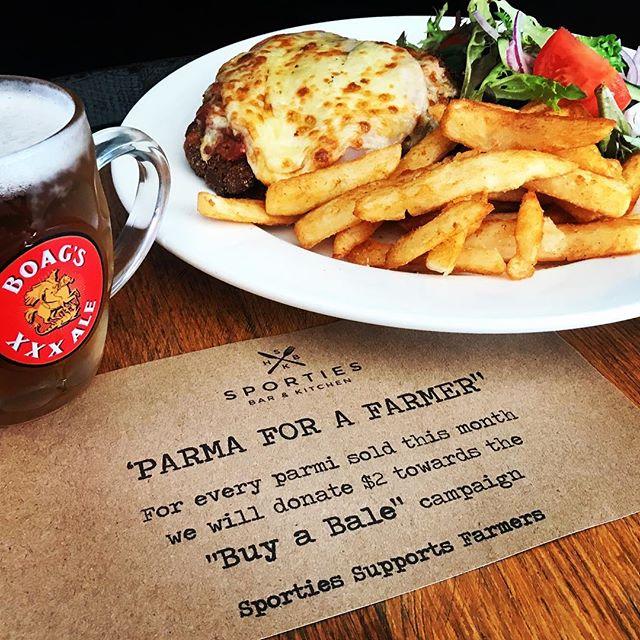 "Sporties has joined the ""Parma for a Farmer"" campaign👍 #launcestoneats #sportieshotel #parmaforafarmer #parmi #parmiarmy #pubfood"