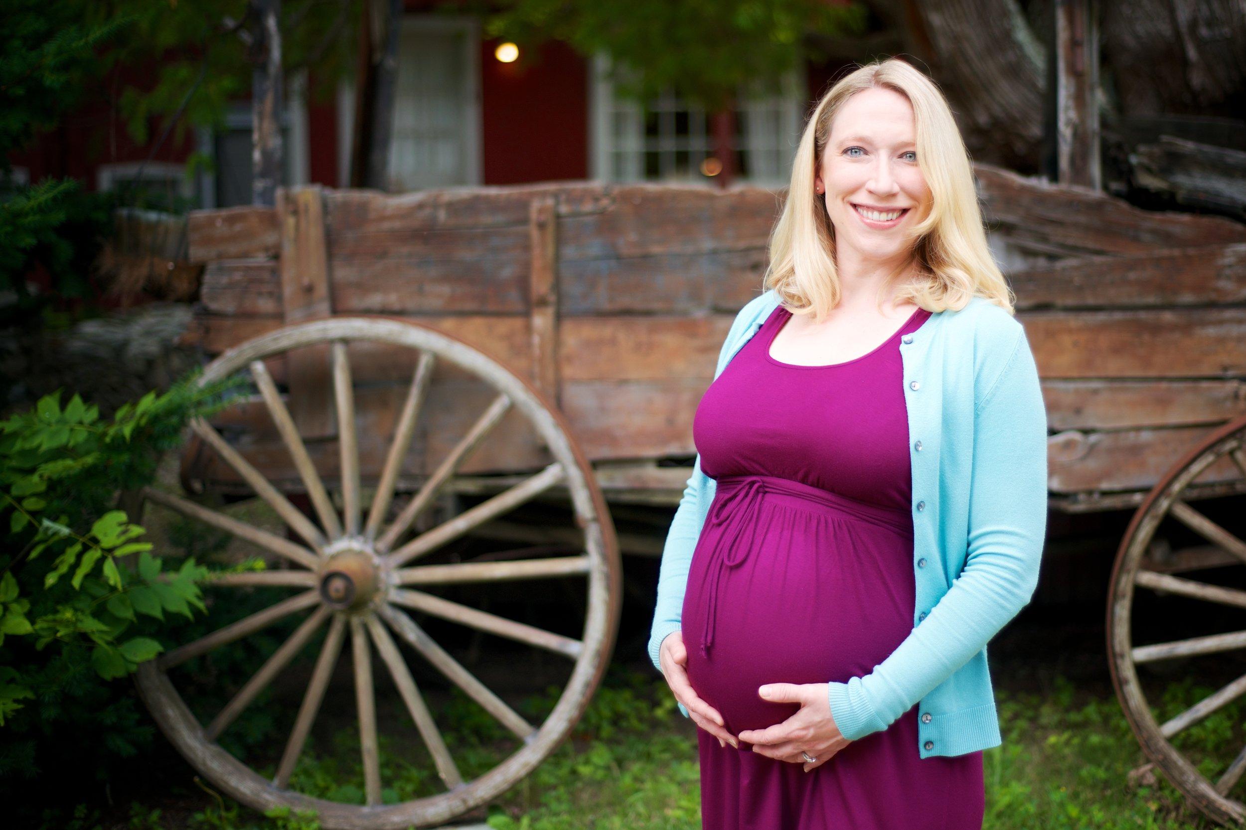 07_27_2014_Hillary_Maternity_Photos_15.jpg