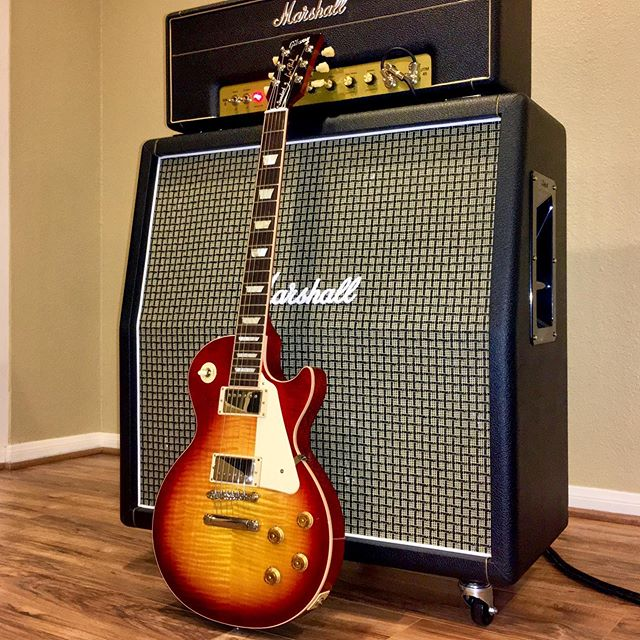 Wifey surprised me with a new Gibson today, this one will have a special place because she's very special. Love you baby! . . . . . . #guitar #gibson #lespaul #marshall #gear #sandiego #rock #standard