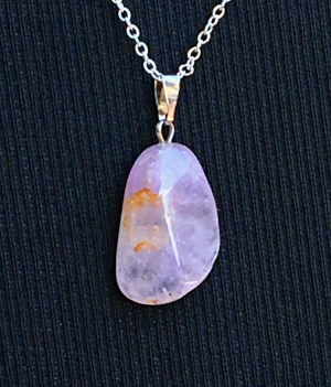 Lavender Amethyst: Stone of Wisdom  Chakras: Crown, Throat  Zodiac: Aquarius, Pisces