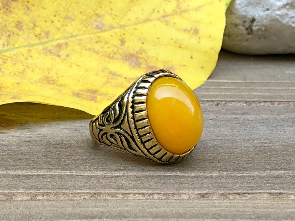 Yellow Jade Goth ring.jpg