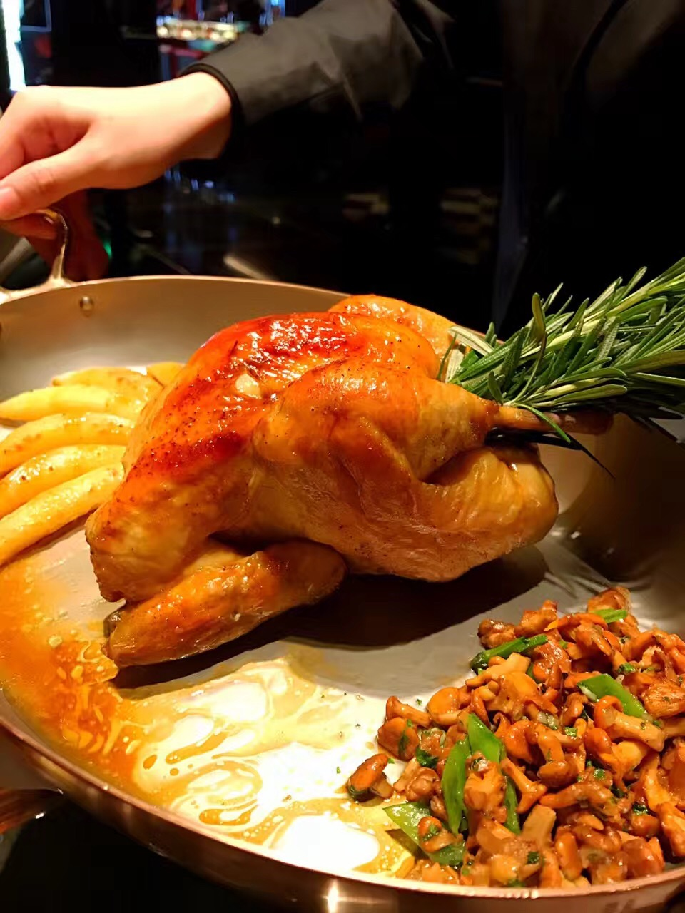 Roasted Chicken     @L'Atelier de Joel Robuchon
