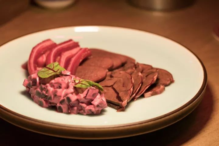 ▲Hong Kong-style braised meat platter