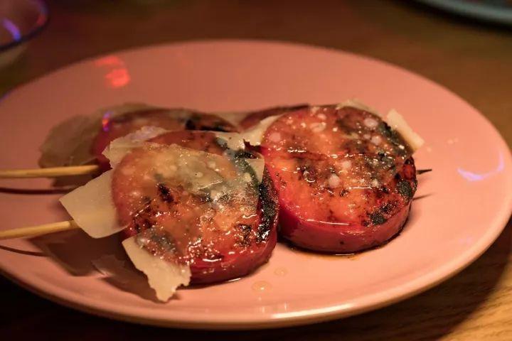 ▲Honey-glazed cheese sausage