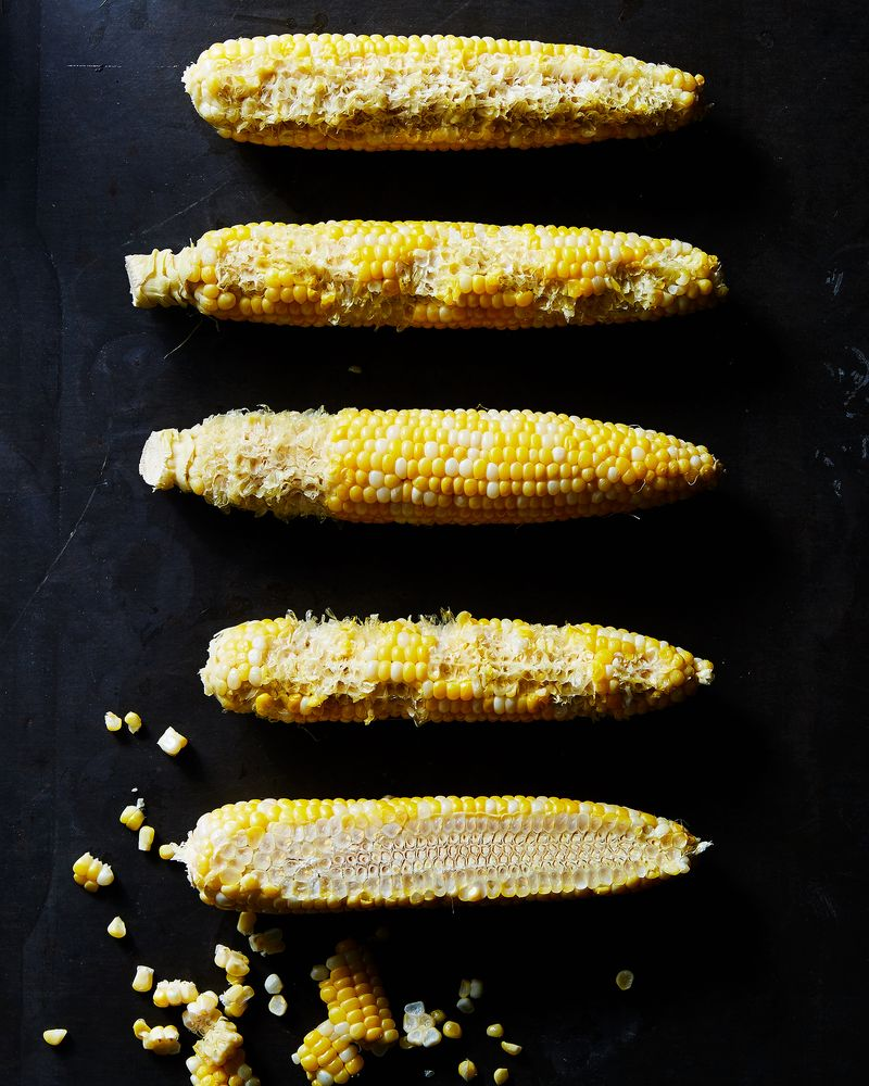 """Is there a """"right"""" way to eat corn?"""