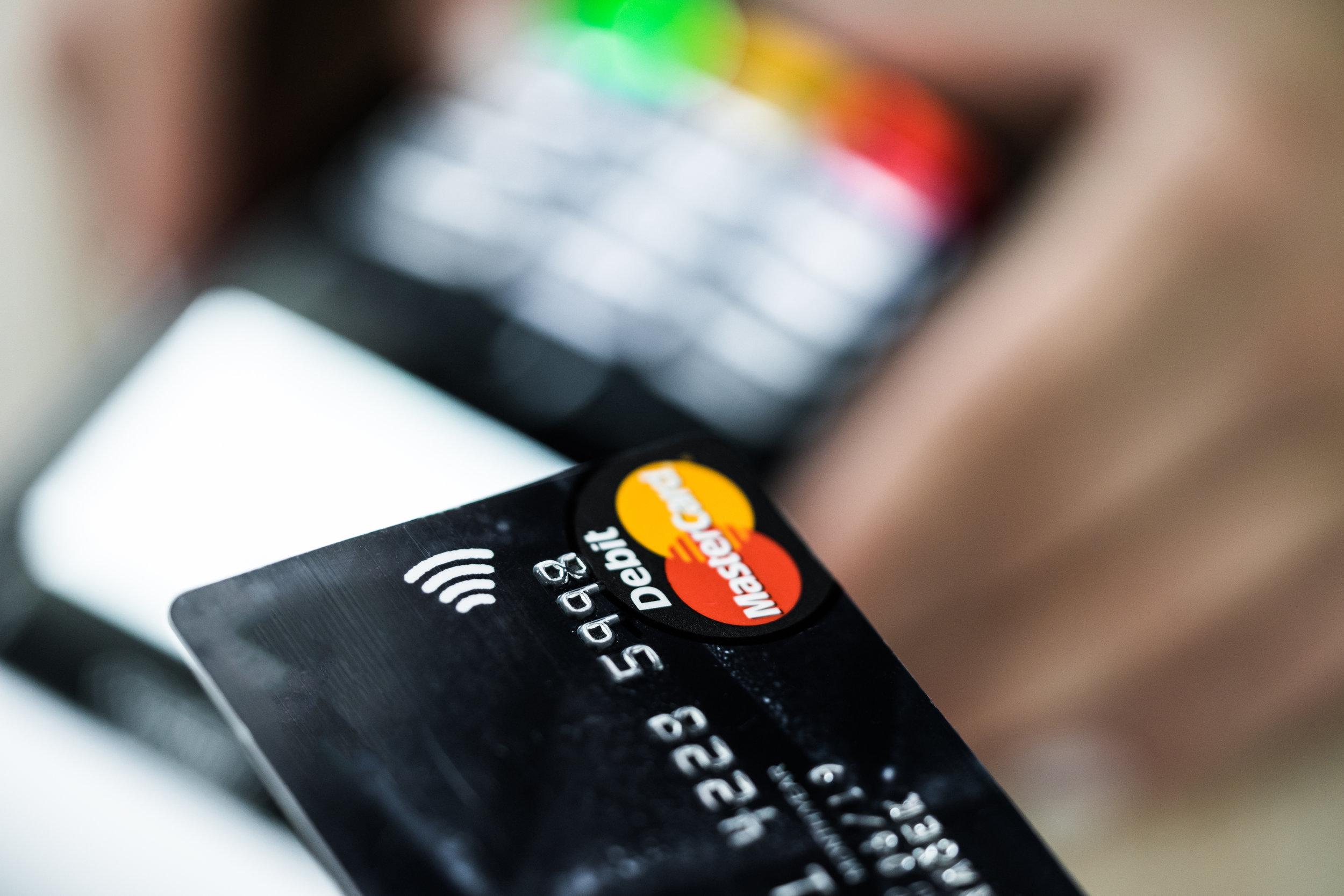 contactless-credit-card-payment-picjumbo-com.jpg