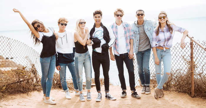 5-gender-neutral-hollister-shirts-for-fuss-free-outfits.jpg