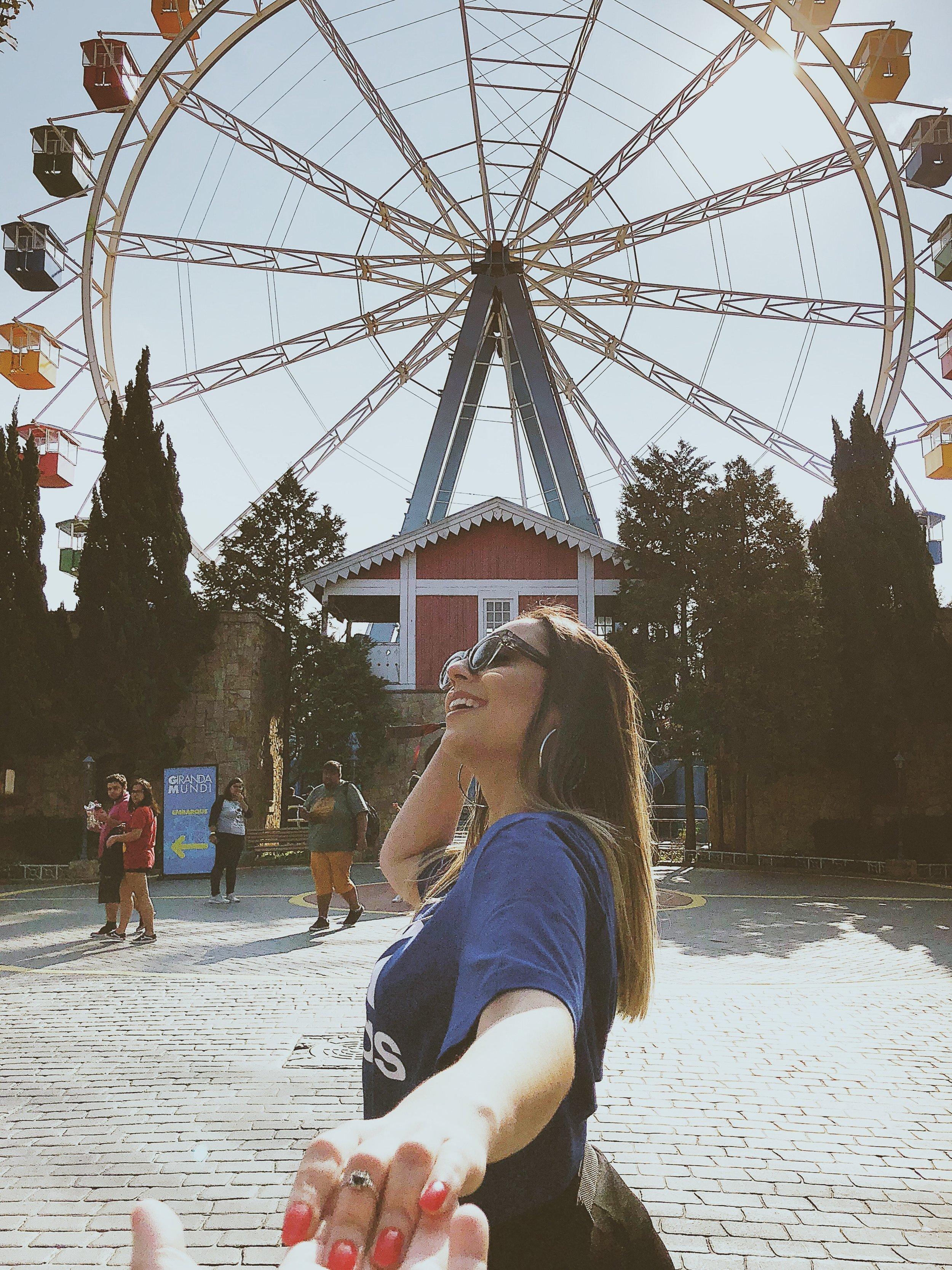 amusement-park-daylight-fashion-1660707.jpg