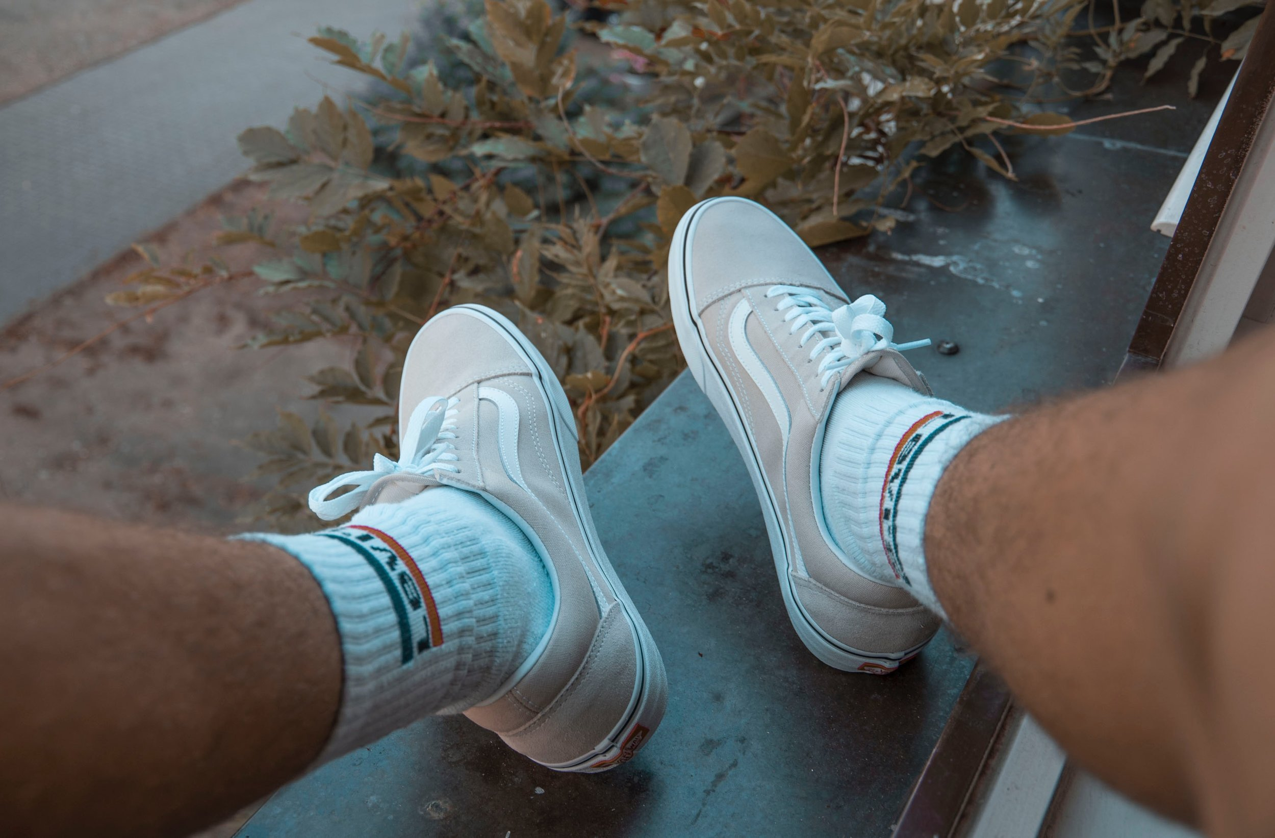 daylight-fashion-footwear-1365756.jpg