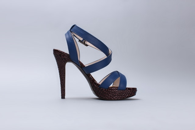 sandals-blue-shoes-strap-shoe-40377.jpeg