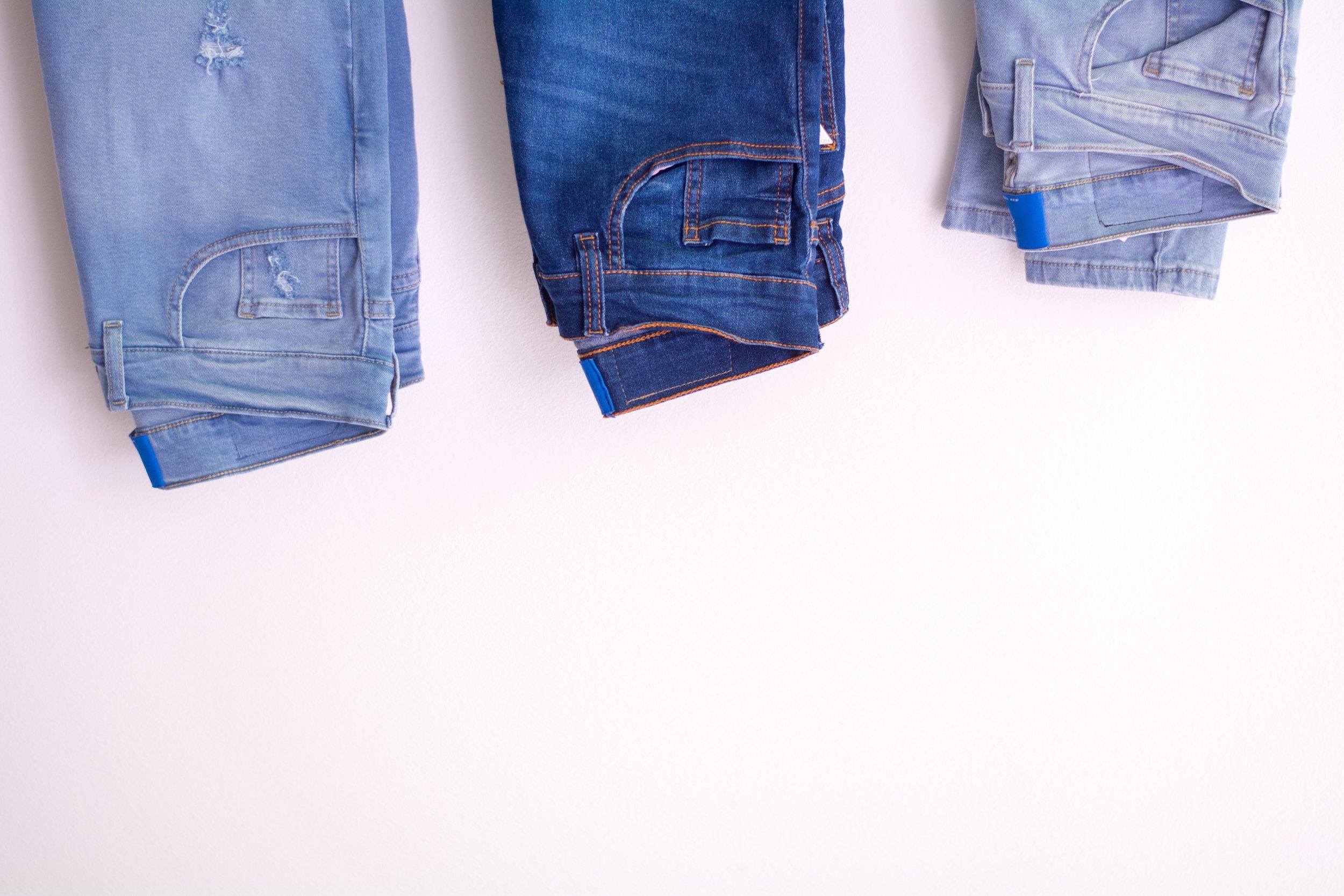 apparel-blue-jeans-casual-1082529.jpg