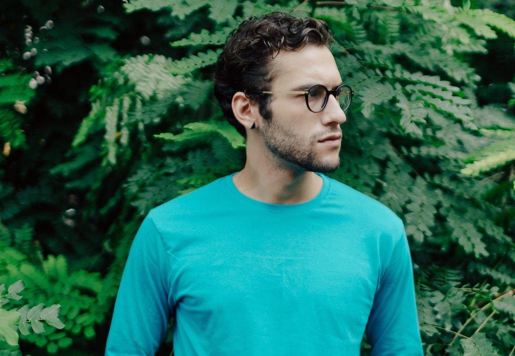 how-to-wear-pastels-for-men-6.jpg