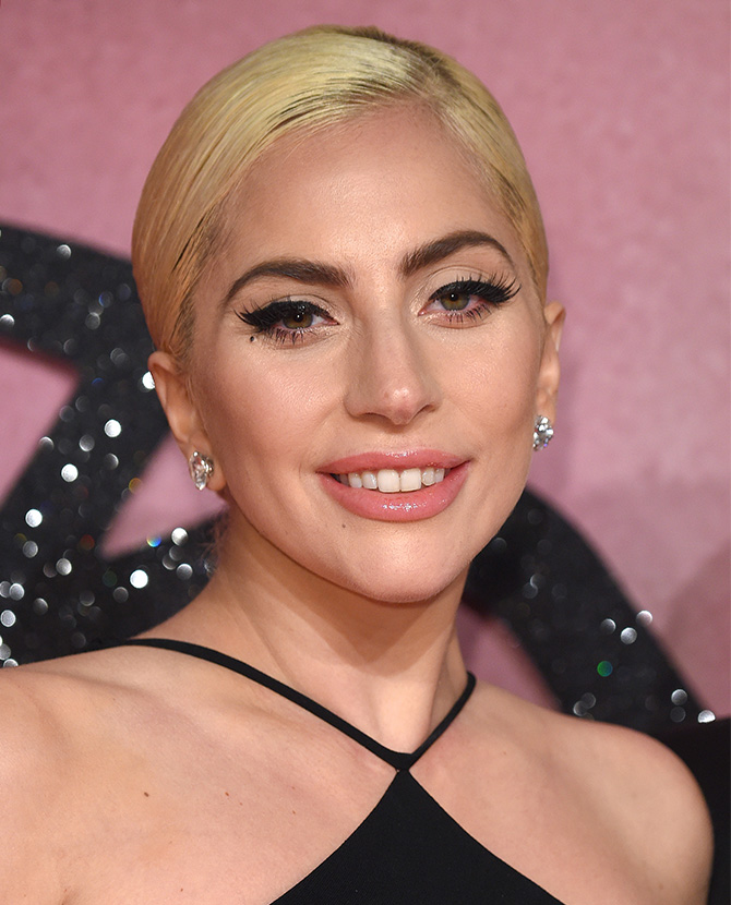 Lady-Gaga-Best-Beauty-Looks-3.jpg
