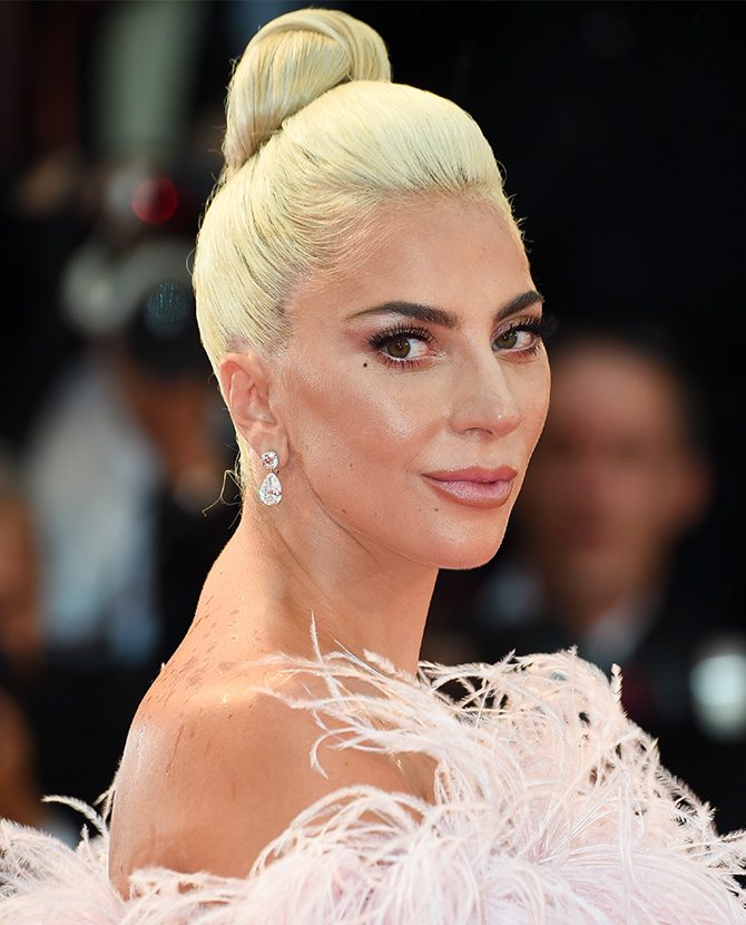 Lady-Gaga-Best-Beauty-Looks-2.jpg