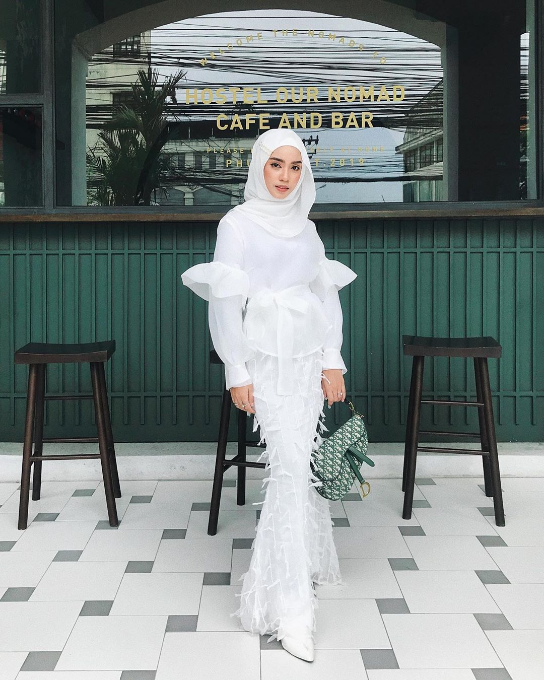 @_.hnhn wearing  Balloon Sleeves Kurung Set