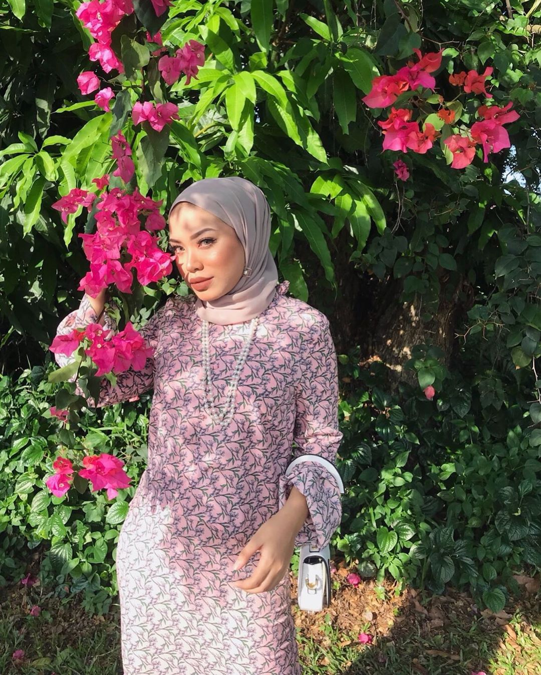 @mimyy_aauni donning  Buttoned Frill Sleeves Top Kurung Set