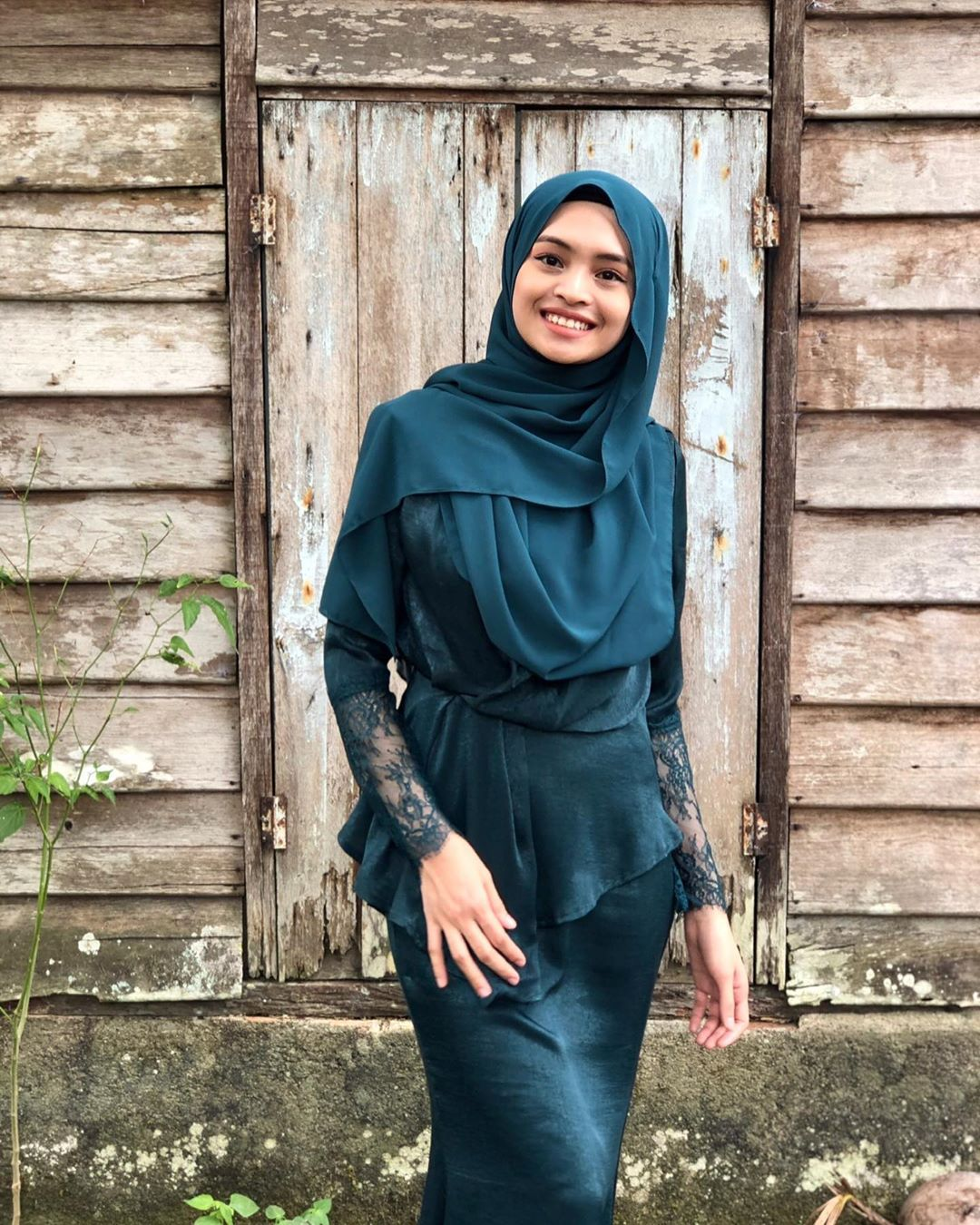 @safiahhassan in Lace Sleeve Peplum Set
