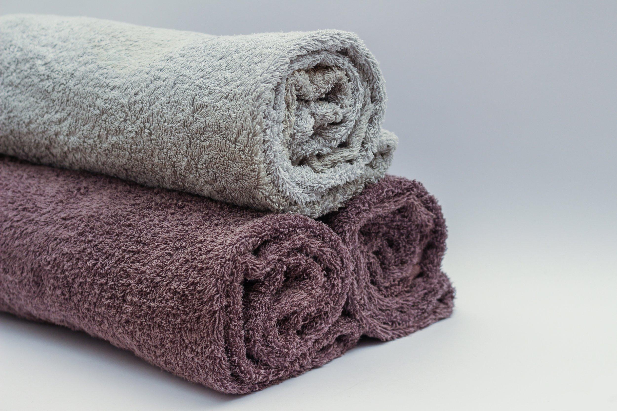 bath-towels-bathroom-roll-45980.jpg