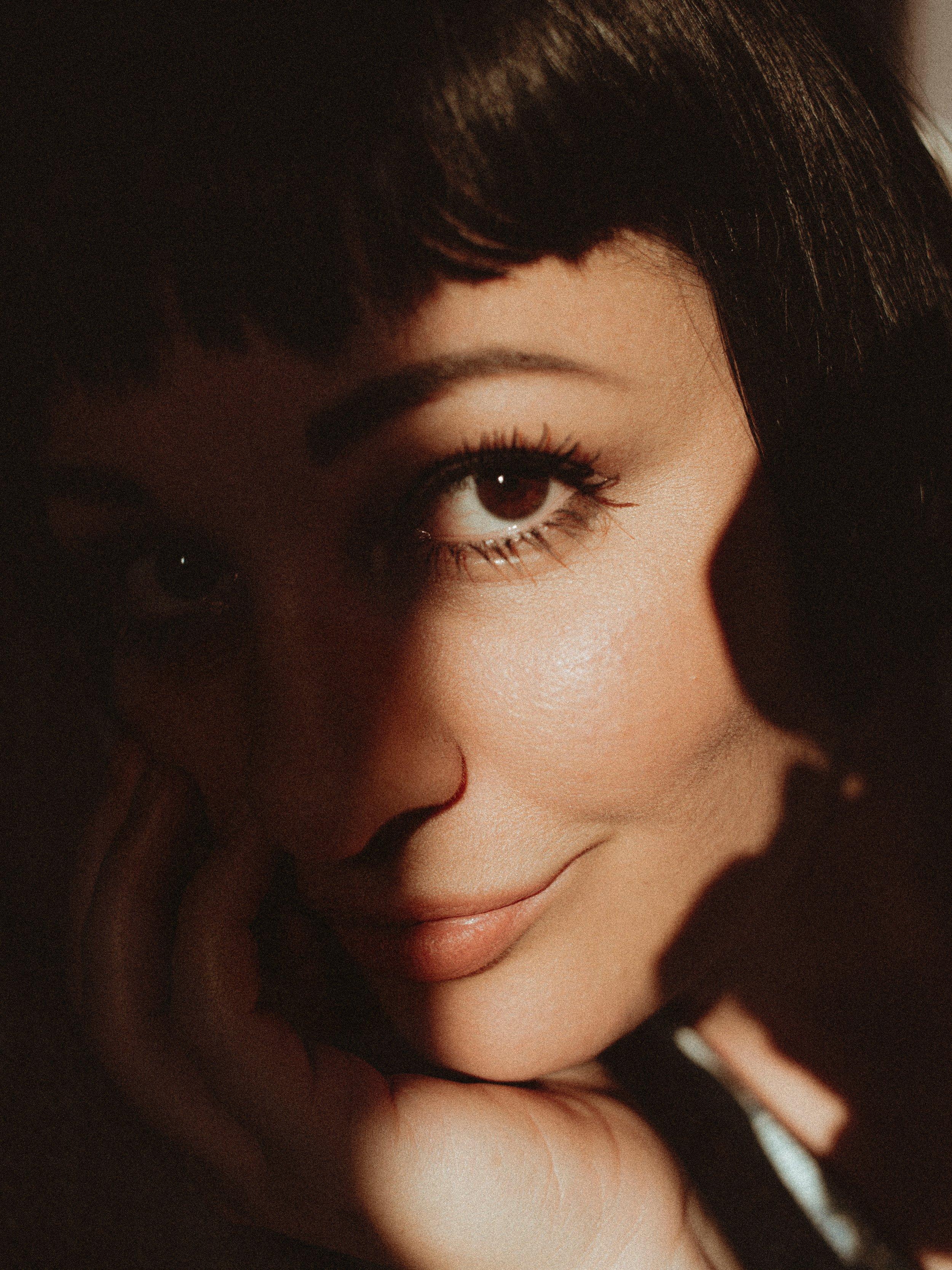 close-up-dark-hair-eyebrows-2600351.jpg